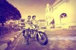 prewedding dengan motor tua di kota lama, semarang